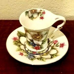 Samick Dogwood Porcelain Teacup & Sauce